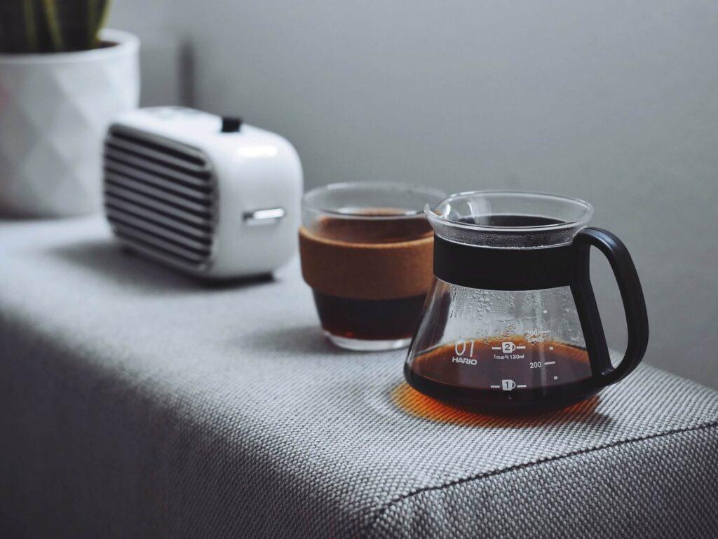 ラジオとコーヒーイメージ